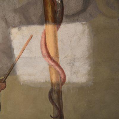 Fragment malowideł S. Stroińskiego z przedstawieniem Węża miedzianego w trakcie usuwania przemalowań.