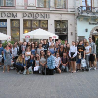 Przed krakowskim Domem Polonii
