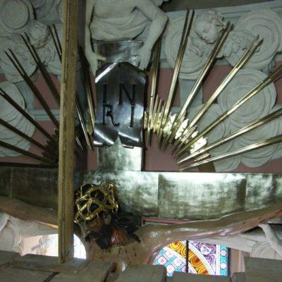 Krucyfiks w kaplicy Chrystusa Ukrzyżowanego, góra rzeźby po konserwacji