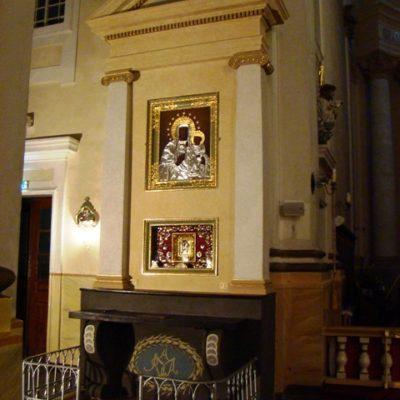 Ołtarz Matki Boskiej po konserwacji